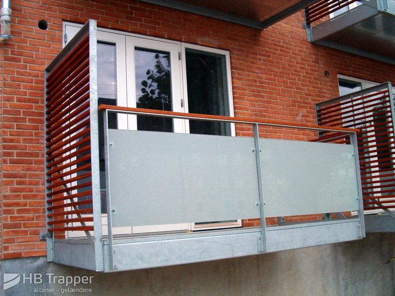 Altaner og balkoner   børnesikret værn og rækværk